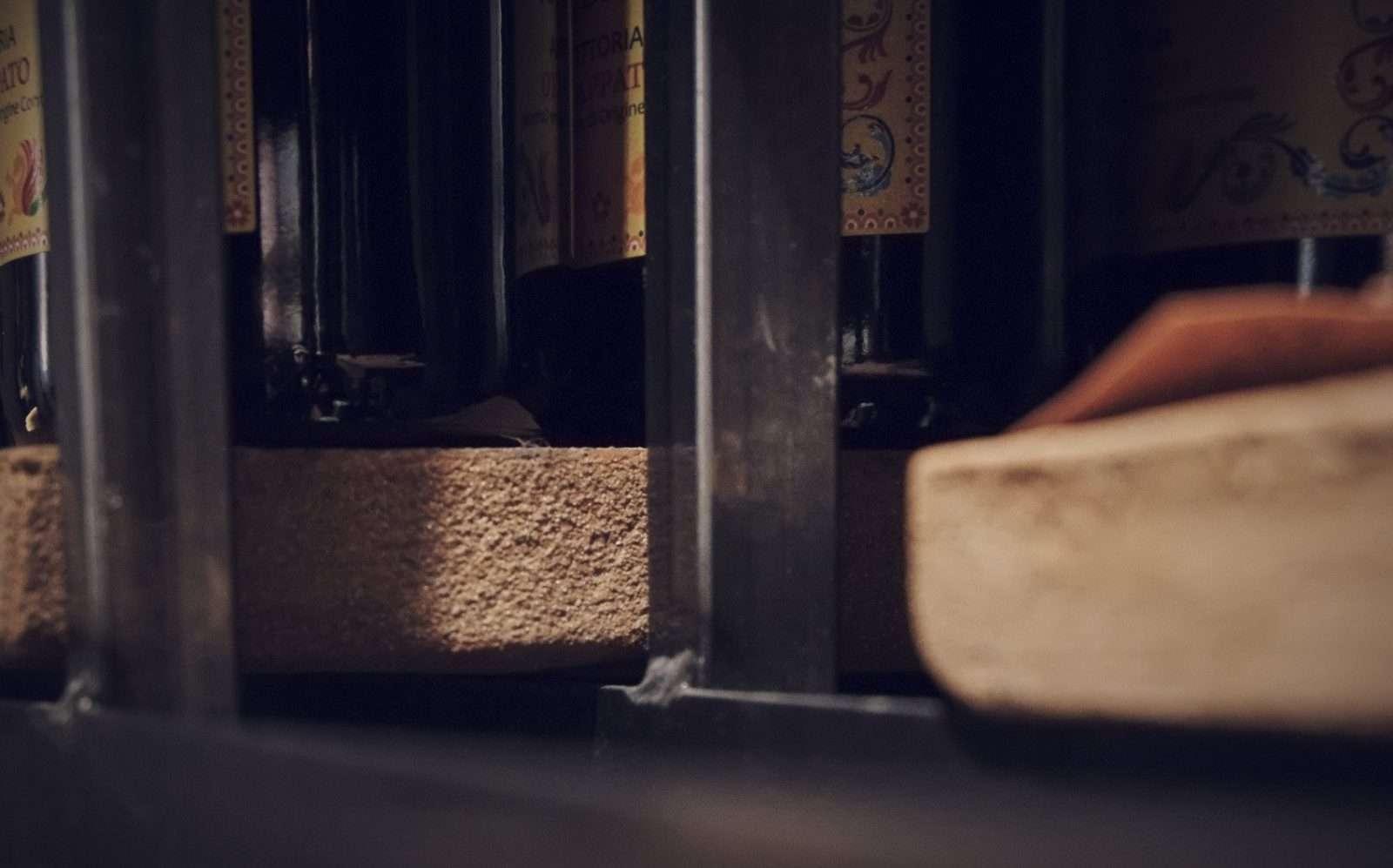 Progetto enoteca, Milano, 2015, terracotta e ferro